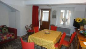 Fully furnished property in the village of Cabasse