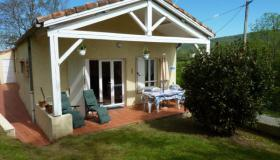 Fully Furnished 2x2 Bedroom Holiday Home with two appartments