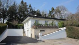 Bungalow on landscaped plot of 1500 m2