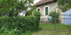House in its own fenced grounds of 1300 m2