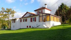 Nice and cozy family home with covered swimming pool in Dordogne FSBO