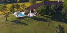 Beautifully renovated farmhouse with swimming pool and magnificent views