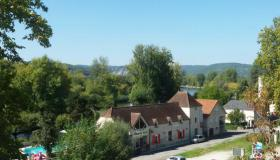 Restaurant, Bar & Holiday Studios with swimming pool at a superb location on the Dordogne river