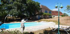 Rural farmhouse with two homes and swimming pool 10x5 m.