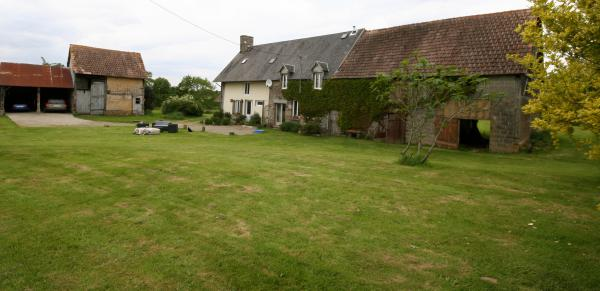 Stunning farmhouse and outbuildings in end of lane location close to all amenities